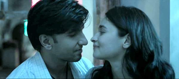 Gully Boy 3rd Day Collection 1st Saturday Box Office Report: Ranveer and Alia's Film Witnesses Increase